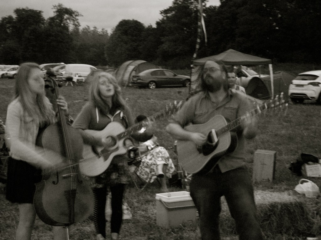 Rob Finlay playing with Lauren Deakin Davies & Kaitlyn Haggis